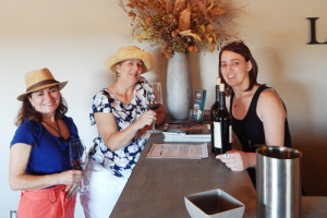 Friends Meet at Lodi Vintners